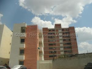 Apartamento En Ventaen Cabudare, Centro, Venezuela, VE RAH: 21-20970