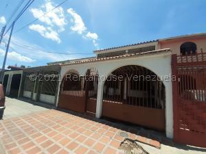 Casa En Alquileren Maracay, Las Acacias, Venezuela, VE RAH: 21-20979