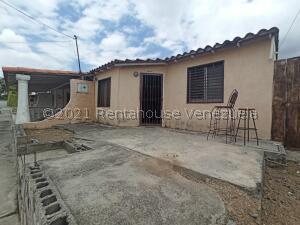 Casa En Ventaen Barquisimeto, Parroquia El Cuji, Venezuela, VE RAH: 21-20996