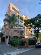 Apartamento En Ventaen Caracas, Los Naranjos De Las Mercedes, Venezuela, VE RAH: 21-21054