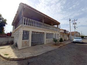 Casa En Ventaen Maracaibo, Lago Azul, Venezuela, VE RAH: 21-21032