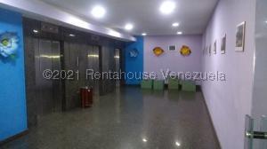 Apartamento En Ventaen Caracas, Parroquia Catedral, Venezuela, VE RAH: 21-21106