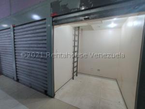 Local Comercial En Ventaen Maracay, Zona Centro, Venezuela, VE RAH: 21-21091