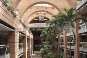 Local Comercial En Ventaen Caracas, El Cafetal, Venezuela, VE RAH: 21-21203