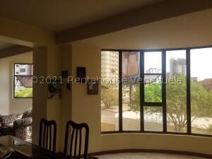 Apartamento En Ventaen Maracaibo, El Milagro, Venezuela, VE RAH: 21-21142
