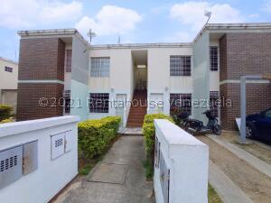 Apartamento En Ventaen Cagua, La Ciudadela, Venezuela, VE RAH: 21-21195