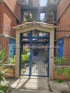Apartamento En Ventaen Guarenas, Nueva Casarapa, Venezuela, VE RAH: 21-21211