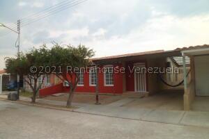 Casa En Ventaen Guacara, Ciudad Alianza, Venezuela, VE RAH: 21-21616
