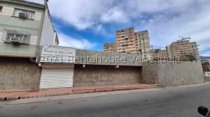 Local Comercial En Ventaen Maracay, Zona Centro, Venezuela, VE RAH: 21-21263