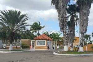 Casa En Ventaen El Tigre, Sector Avenida Intercomunal, Venezuela, VE RAH: 21-21319
