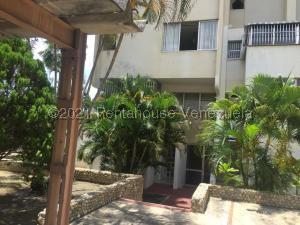Apartamento En Ventaen Parroquia Caraballeda, Los Corales, Venezuela, VE RAH: 21-21286