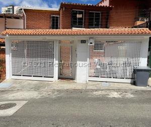 Casa En Ventaen Caracas, Santa Ines, Venezuela, VE RAH: 21-21303