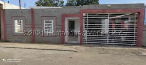 Casa En Ventaen Municipio San Francisco, Sierra Maestra, Venezuela, VE RAH: 21-21205