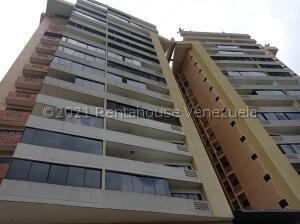 Apartamento En Ventaen Valencia, Las Chimeneas, Venezuela, VE RAH: 21-21405