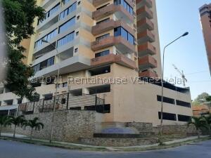 Apartamento En Ventaen Valencia, Las Chimeneas, Venezuela, VE RAH: 21-21407