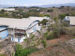 Galpon - Deposito En Ventaen Cua, Las Mercedes, Venezuela, VE RAH: 21-21406