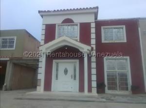 Townhouse En Ventaen Cabimas, Nueva Delicias, Venezuela, VE RAH: 21-21409