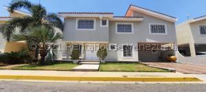 Townhouse En Ventaen Maracaibo, Cantaclaro, Venezuela, VE RAH: 21-21420