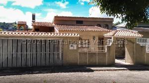 Casa En Ventaen San Antonio De Los Altos, Los Castores, Venezuela, VE RAH: 21-21423