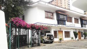 Townhouse En Ventaen Maracay, Barrio Sucre, Venezuela, VE RAH: 21-22354
