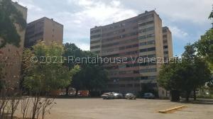 Apartamento En Ventaen Cagua, Residencias Codazzi, Venezuela, VE RAH: 21-21431
