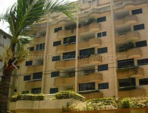 Apartamento En Ventaen Parroquia Caraballeda, Caribe, Venezuela, VE RAH: 21-21479
