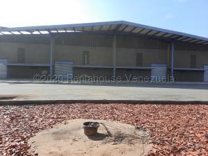 Galpon - Deposito En Alquileren Maracaibo, Zona Industrial Sur, Venezuela, VE RAH: 21-21481