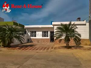 Casa En Ventaen Punto Fijo, Pedro Manuel Arcaya, Venezuela, VE RAH: 21-21544