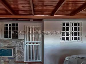 Casa En Ventaen Punto Fijo, Los Caciques, Venezuela, VE RAH: 21-21563