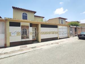 Townhouse En Ventaen Turmero, San Joaquin De Turmero, Venezuela, VE RAH: 21-21596