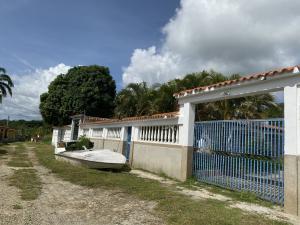 Casa En Ventaen Higuerote, Mirador Bahía De Buche, Venezuela, VE RAH: 21-21597