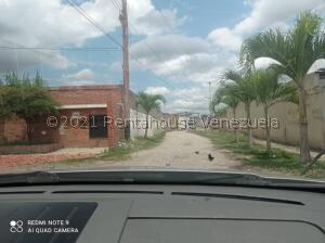 Terreno En Ventaen Cabudare, El Paraiso, Venezuela, VE RAH: 21-22948