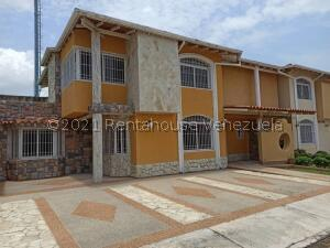 Townhouse En Ventaen Maracay, La Morita, Venezuela, VE RAH: 21-8656