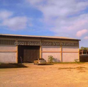 Local Comercial En Ventaen Cumana, Campeche, Venezuela, VE RAH: 21-21621