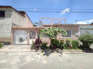 Casa En Ventaen Turmero, La Mantuana, Venezuela, VE RAH: 21-21647