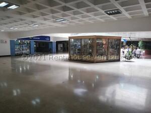 Local Comercial En Alquileren Caracas, Los Palos Grandes, Venezuela, VE RAH: 21-21654