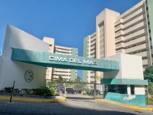 Apartamento En Ventaen Parroquia Caraballeda, La Llanada, Venezuela, VE RAH: 21-21746