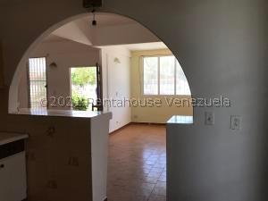 Casa En Alquileren Punto Fijo, Judibana, Venezuela, VE RAH: 21-21751