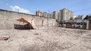 Terreno En Ventaen Maracay, Zona Centro, Venezuela, VE RAH: 21-21750
