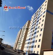 Apartamento En Ventaen San Cristobal, Barrio Libertador, Venezuela, VE RAH: 21-21763
