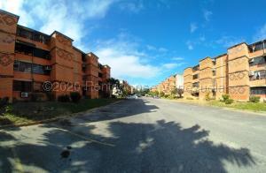 Apartamento En Ventaen Guarenas, Nueva Casarapa, Venezuela, VE RAH: 21-21802