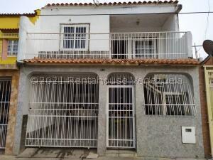 Casa En Ventaen Valencia, Parque Florida, Venezuela, VE RAH: 21-21824
