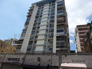 Apartamento En Ventaen Caracas, Chacao, Venezuela, VE RAH: 21-21737
