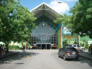 Local Comercial En Ventaen Municipio San Diego, La Esmeralda, Venezuela, VE RAH: 21-22292