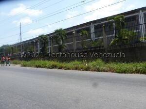 Galpon - Deposito En Alquileren Guatire, Guatire, Venezuela, VE RAH: 21-21867