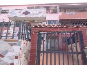 Apartamento En Ventaen Caracas, El Valle, Venezuela, VE RAH: 21-21883