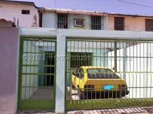 Casa En Ventaen Valencia, La Isabelica, Venezuela, VE RAH: 21-21889