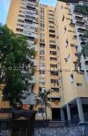 Apartamento En Ventaen Caracas, Parroquia Santa Rosalia, Venezuela, VE RAH: 21-21884