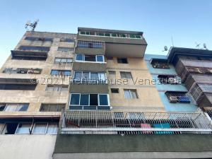 Apartamento En Ventaen Caracas, Parroquia Santa Rosalia, Venezuela, VE RAH: 21-21896