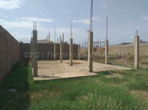 Terreno En Ventaen Coro, Sector Independencia, Venezuela, VE RAH: 21-21895